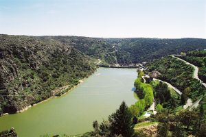 Barragem_de_Miranda_do_Douro_(Portugal)
